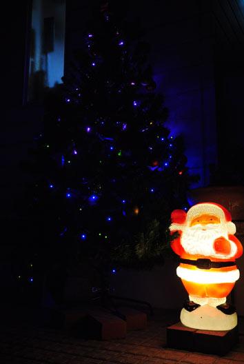 tree_santa.jpg